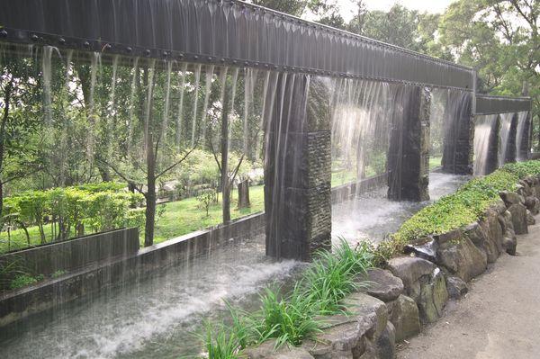 緣道觀音廟門口造景瀑瀑流水
