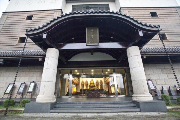 緣道觀音廟主體建築入口