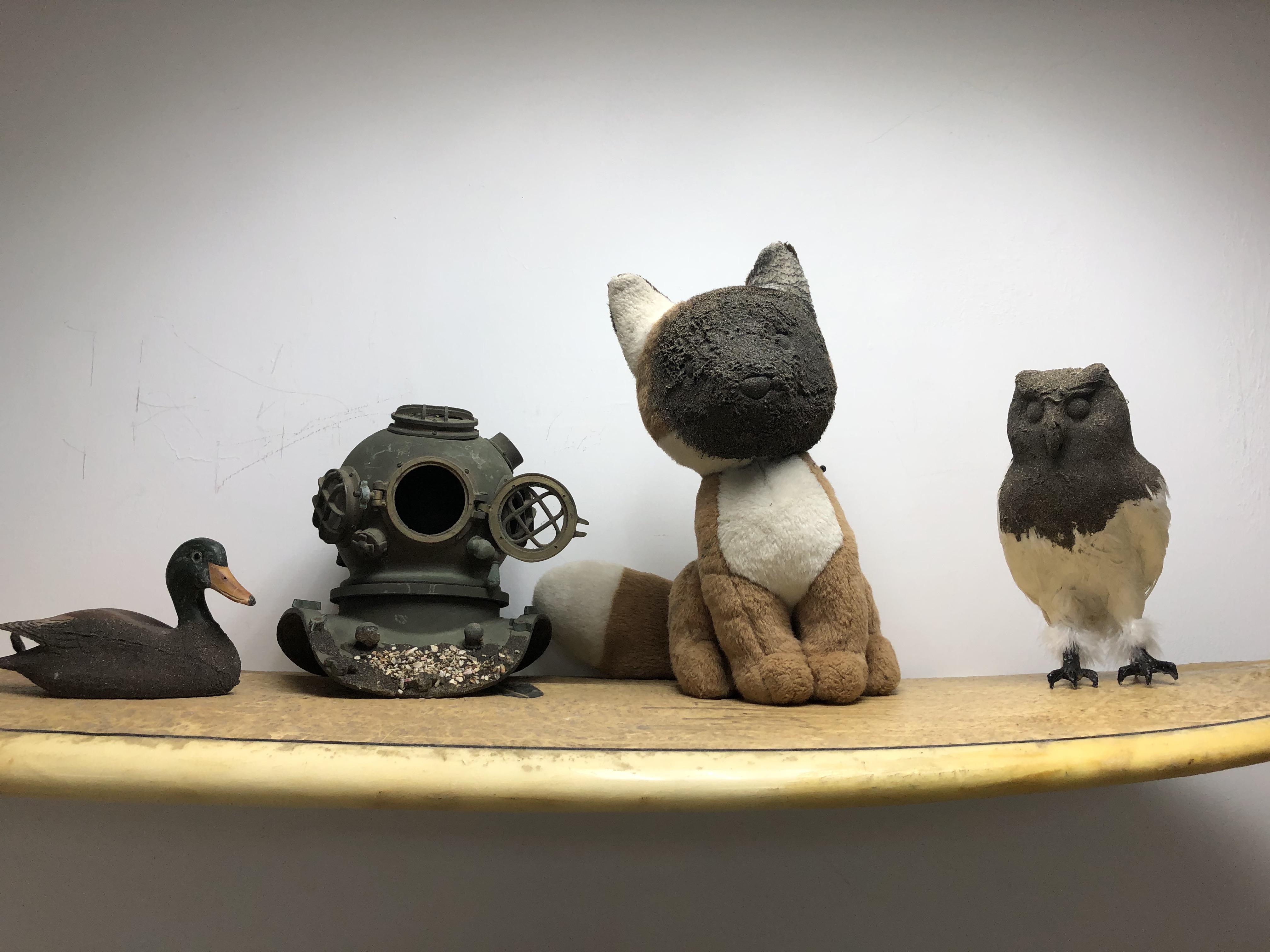 405工作室創作展示-現成物、玩具、木頭、鐵、沙