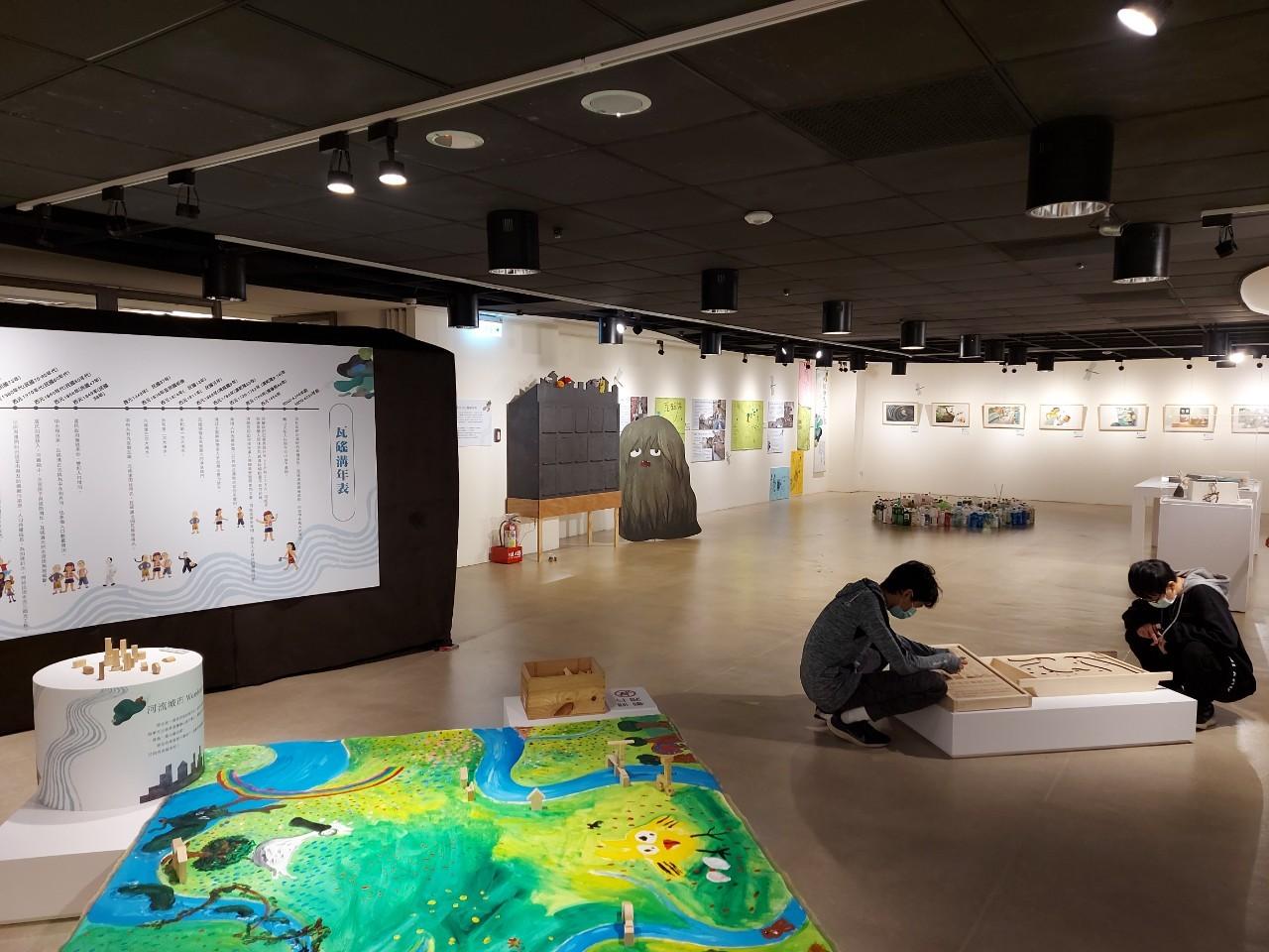 美麗永安藝文中心「城市河流Wonderland:醜泥怪原畫特展」展覽現場