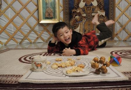喝鹹奶茶玩羊骨占卜!到茶博館當一日蒙古人!