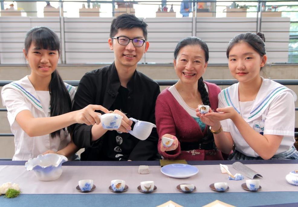 陶藝師徒三代同框超感人 青花彩繪技傳18年